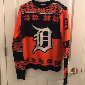 Sweaters - Detroit Tigers D Sweater size Medium NWOT